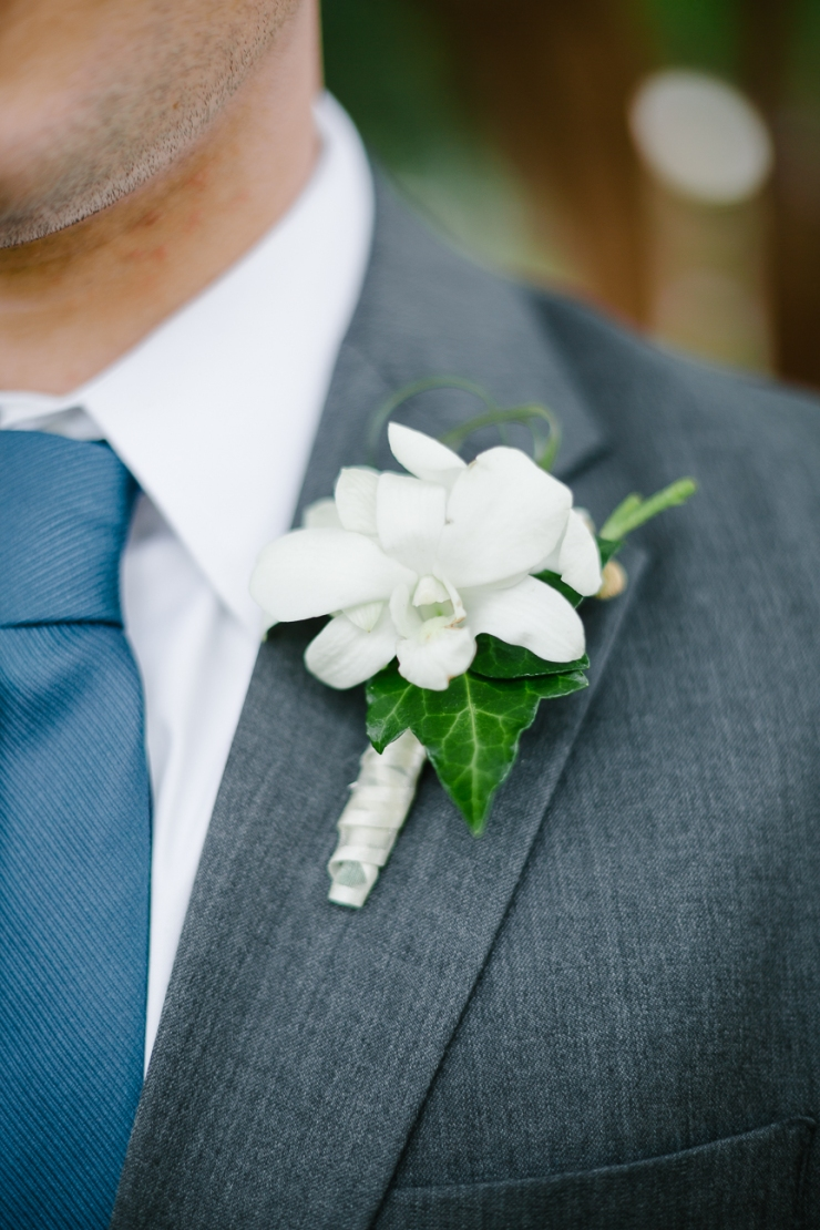 groom's boutonniere, white boutonnière, wedding florals, Furman chapel, Furman wedding, greenville wedding photography
