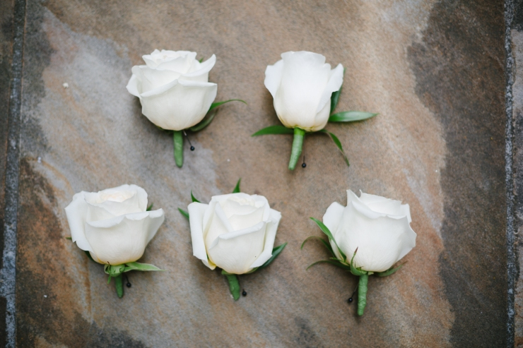 boutonnieres, white flowers, wedding flowers, Memphis TN photographer
