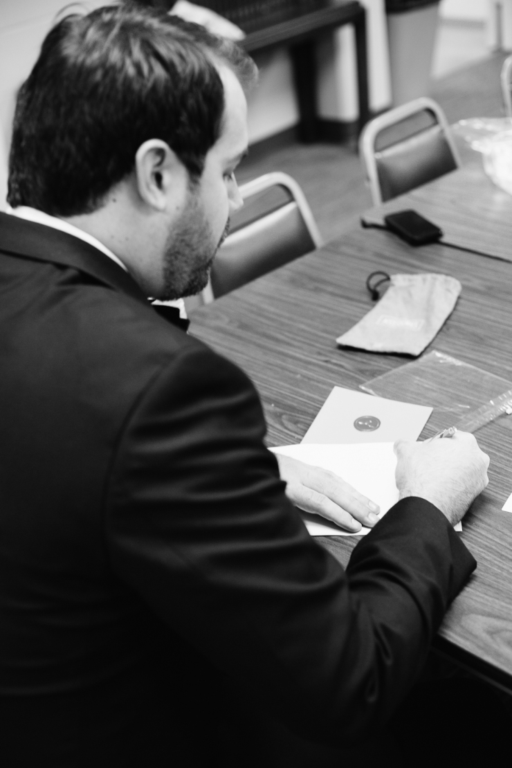 Groom's writes a letter to his bride on their wedding day, memphis tn wedding