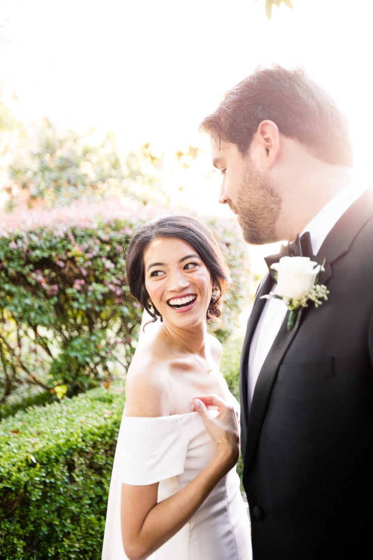 bride laughs at her soon to be husband during first look, memphis tn wedding